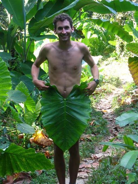 Leaf loincloth | Photo