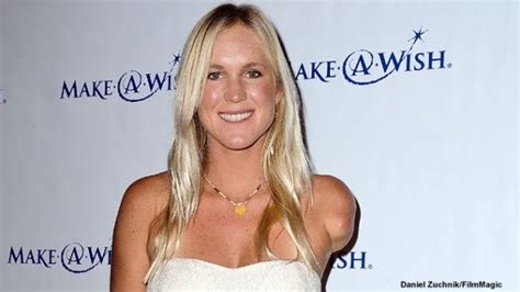 'Soul Surfer' Bethany Hamilton Is Getting Married   Inside