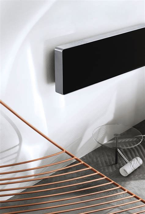 Bang & Olufsen presenterar soundbaren Beosound Stage