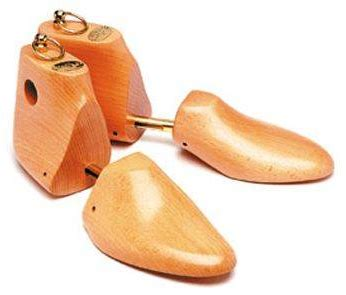 Do I need to use shoe trees with chukka boots? - Quora