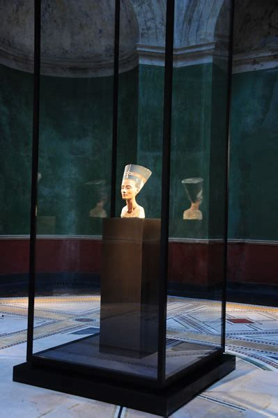 Nefertiti: (Society for the Promotion of the Egyptian