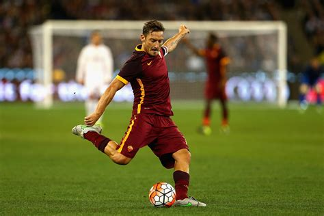 Francesco Totti - Francesco Totti Photos - Real Madrid vs