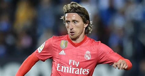 Luka Modric to Sign Contract Extension Despite Real Madrid