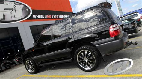 2006 Toyota Land Cruiser 100 series 22 inch custom rims G2