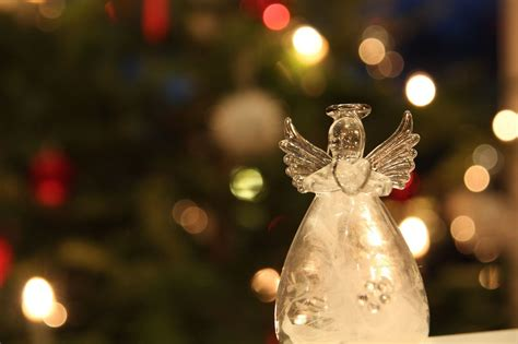10 of the Most Famous Christmas Poems and Hymns